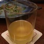 銀座ライオン 安具楽 - 完熟にごり梅酒 熊野かすみ:ストレートで頼んだらこの量(笑)