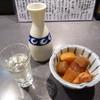 金八 - 料理写真:冷酒、つきだし