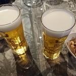 3K - ビールとお通し(ナッツ)