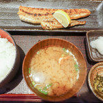 炭火焼専門食処 白銀屋 - 鮪ハラス定食