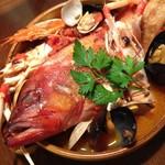 サルスエラ 丸ごと鮮魚と魚介類の煮込み カタルーニャ風