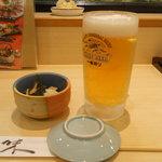 すし三崎丸 - 生ビールとお通し