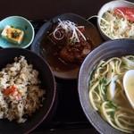 Hanakina - はなきなぁ~セットB(840円)             そば小盛+ジューシー+黒酢とろソーキ+サラダ+小鉢1品