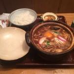 52561365 - 牡蠣入り味噌煮込みうどん、ご飯(中)