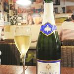 ワイン酒場COLTS -