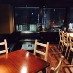 401 - 夜のテーブルソファは景観抜群