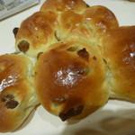 コープベーカリー - 料理写真:ぶどうパン