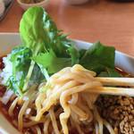 52571668 - 汁なし担々麺【辛さ増し】:920円 麺は太麺。モチモチしてます( ´ ▽ ` )ノ