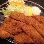 三九三 - 豚ヒレカツ 単品は100円引きで1,000円