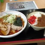 たかべん食堂 -   ラーメン450円・ミニカレー200円