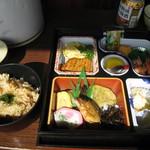 52573230 - 観光船での食事