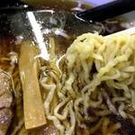 52576256 - 自家製縮れ麺