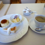 kafemorozofu - デザートプレートとコーヒー
