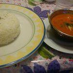カレーハウス - 料理写真:ナン カレーセット1,300円(税込) ナンにしようかなと思ってたら、ご飯もいけるとのことで思わずご飯でと言ってしまった^^