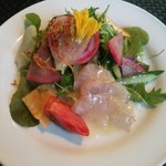 ignis - 鮮魚と13種鎌倉野菜たっぷりのサラダ