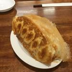 金春本館2号店 - 羽付き餃子(裏)