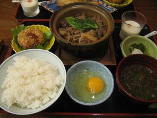 銀座 熊さわ - 牛すき豆腐膳990円