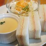 ヌーヴォーカフェ - 料理写真:ハムサンド、めっちゃ美味しいです