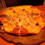 526369 - ポルチーニ茸といろいろキノコのグラタンソースピッツァ