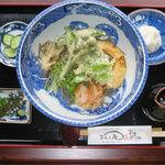 牧之庵 - ぶっかけそば(うどん):天ぷらが添えられ、大根おろし、汁をかけて豪快に(人気メニュー)
