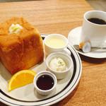 52602543 - ブレンドコーヒー400円とサイコロトーストのモーニング
