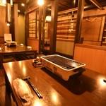 網焼きダイニング 竹かんむり - 竹を施した内装で落ち着きのある空間です