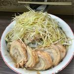 ラーメン二郎 - 小豚ネギアブラマシマシ(2016/06)