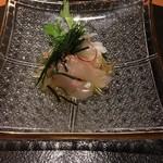 52613374 - 鯛、水菜、玉葱、塩昆布ドレッシング、八代海苔