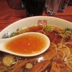 井関屋 - スープ、出汁が真面目