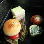 52616739 - 一の重 ツナとキュウリのサンドイッチ ほうれん草のクレープ サーモンとサワークリーム 国産牛ミニバーガー