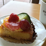 ブーランジェヤマダ - フルーツタルト380円