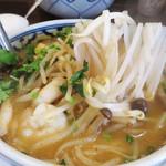 イムキッチン - 生パクチーの香りが爽やかです!                             スープはまさしくタイっぽい甘辛スッパのコク味。