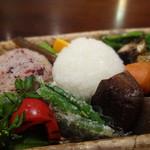 おむすび まるさんかく - おむすび弁当(野菜がいっぱい)