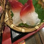 ぼんてん漁港 - ホッキ貝 (ウバ貝) コリッとイケる