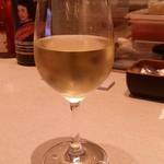 コーデュロイ カフェ - 「グラスワインの白」です。