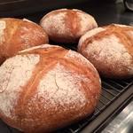 ビストロガストロス - 自家製パン