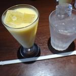 ラリ グラス -