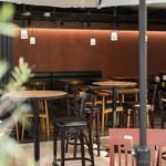 マーケット カフェ - 開放的なテラス席