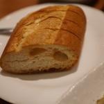 PATISSERIE & BRASSERIE RUBETTA - パンはホカホカなのは良いですが、もう少し頑張ってほしいな♡