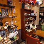 ニコラハウス - フランスから直輸入した小物がいっぱいの店内