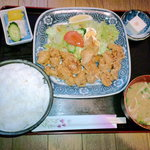 お食事処とんかつかすみ - 若鶏の唐揚げ定食