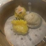 尖沙咀 - 小籠包、焼売、フカヒレ餃子(ランチセットで1,080円)