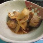 青柳 - 鯛と鯖の煮つけでした。