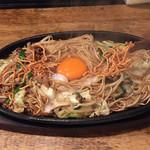 Kenzokafe - ケンゾーカフェ(KENZO cafe)(福岡県福岡市博多区上川端町)焼ラーメン 700円