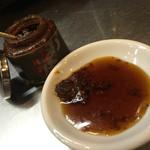 うま馬 - うま馬 祇園店(福岡県福岡市博多区祇園町)餃子のタレとラー油