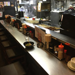うま馬 - うま馬 祇園店(福岡県福岡市博多区祇園町)店内カウンター