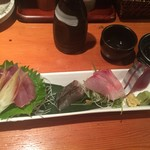経堂カンザワ - 刺身盛りは一人前で6種類と盛りだくさん