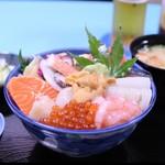 純の店 - 料理写真:海鮮丼 ¥2600