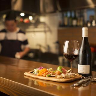 80種類以上のイタリア産ワインから、とっておきの1本と出会う