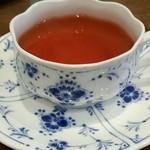 シェモア - セットのドリンク。紅茶にしました。